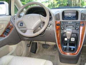 Lexus RX-30 LCD dashboard